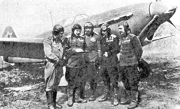 И.М.Корниенко с товарищами.