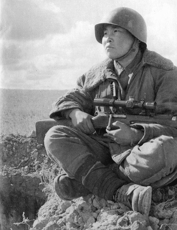 Фото советского снайпера ВОВ Максима Пассара