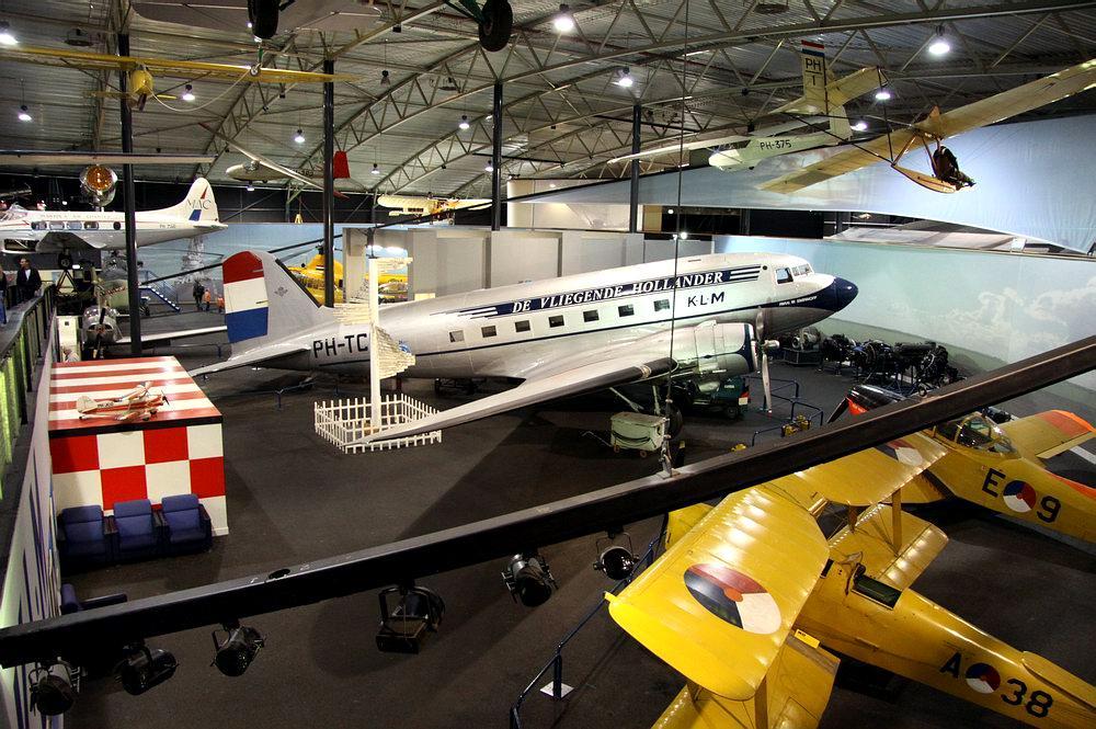 Музей 'Авиодром' в районе Лелистат